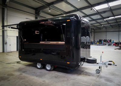 food-trailer-food-truck-black-1-moveit-tech