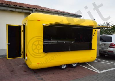 food-trailer-yellow-moveit-tech-1