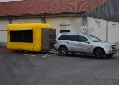 food-trailer-yellow-moveit-tech-4