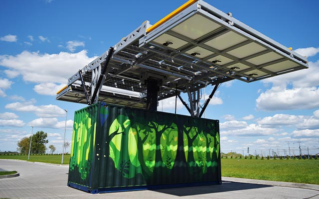 Unfloding solar panels